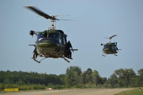 1. Gli HH212 appena decollati per andare a recuperare personale disperso - Copia