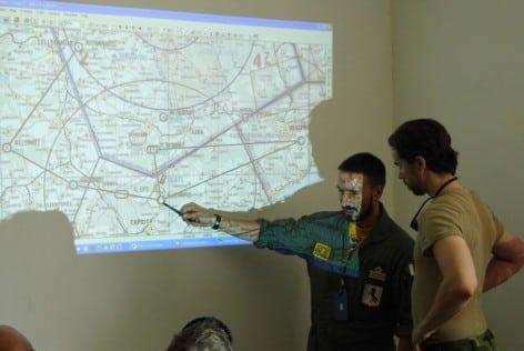 3. UN pilota del 9° Stormo durante al fase di pianificazione del volo