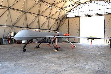 """Un aereo a pilotaggio remoto """"Predator"""" (foto archivio Claudio Toselli)"""
