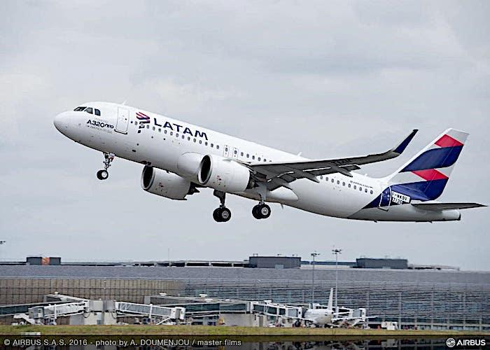 LATAM Airlines guarda al futuro: risparmio di carburante e riduzione delle emissioni