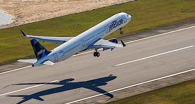 A321 JETBLUE_JetBlue receives A321 foto by Airwind J.Darcy