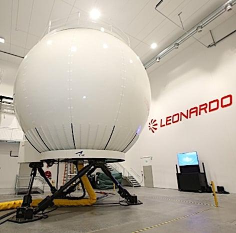 Il simulatore dell'AW101 (foto Leonardo)