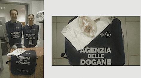 La sostanza stupefacente sequestrata a Malensa (foto Agenzia Dogane)