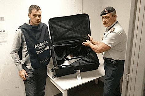 Agenzia Dogane malpensa seq 8kg droga