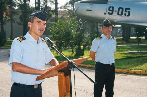 Il Generale Agresti durante il suo saluto al personale del 9° Stormo