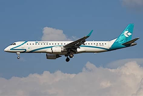 air_dolomiti_embraer_195-472px-_foto-davide-olivati-wikimedia-commons-2