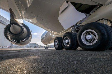 Alitalia Pneumatici jet 777