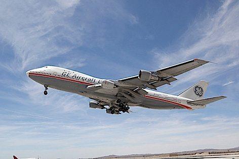 Il Boeing 747 flying testbed dotato di motore LEAP-1B (foto Boeing)