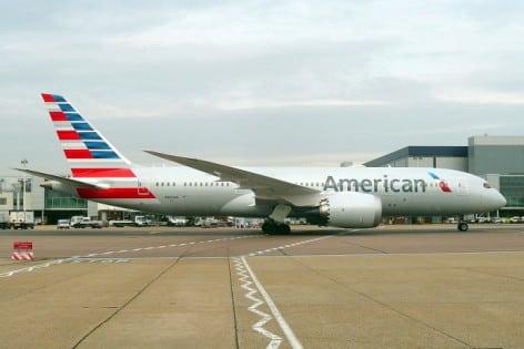 Boeing 787-8 London Airport AA foto John Taggart wikimedia N800AN11032015LHR_(16169142253)