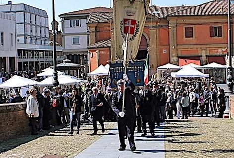 Cerimonia in Rocca con i familiari delle due MOVM lughesi (3)