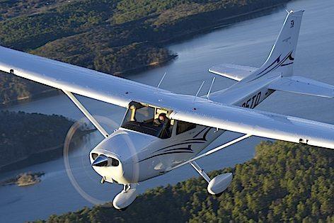 Il Cessna_Skyhawk_Image1