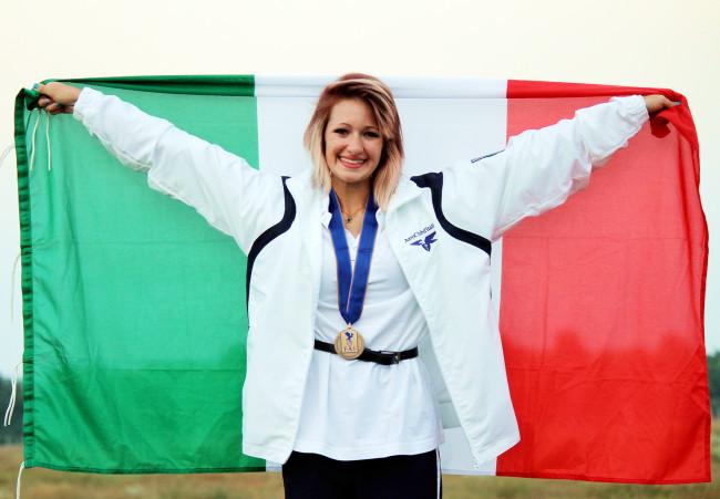 Claudia Scaramella dell'AeCLugo dopo il successo ai Mondiali  2014 (foto Scaramella)