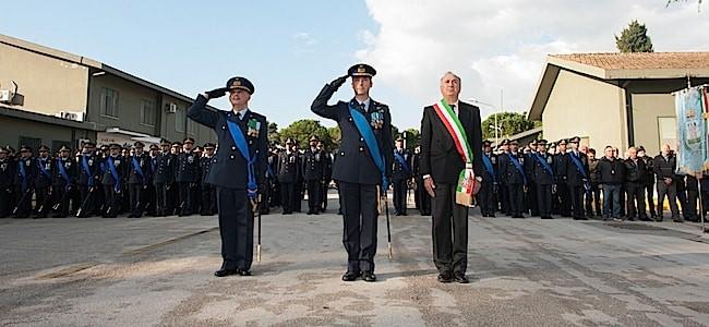 col-di-palma-con-il-sindaco-di-grazzanise-ed-il-comandante-dello-schieramento