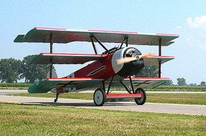 """La splendida replica del Fokker Dr1 pilotato dal """"Barone Rosso"""" costruito da Zanardo"""