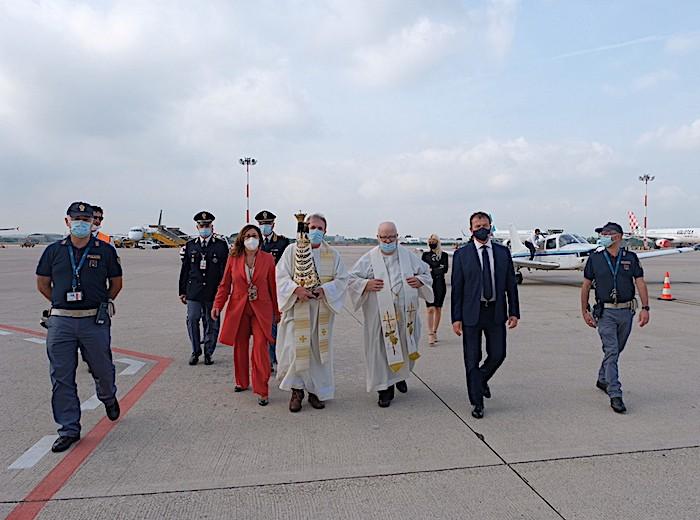 La Madonna di Loreto accolta ieri all'Aeroporto Catullo di Verona per il Giubileo Lauretano