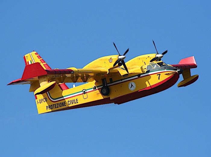 Incendi boschivi: ieri 33 richieste d'intervento aereo