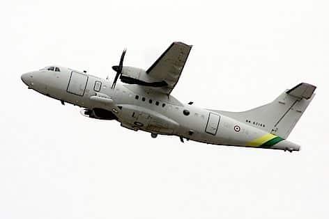 """L'aereo da pattugliamento marittimo della Guardia di Finanza ATR 42 MP """"Surveyor"""" (foto GdF)"""