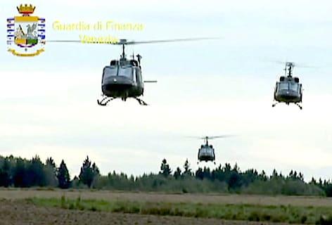 Gdf Venezia elicotteri traff. armi