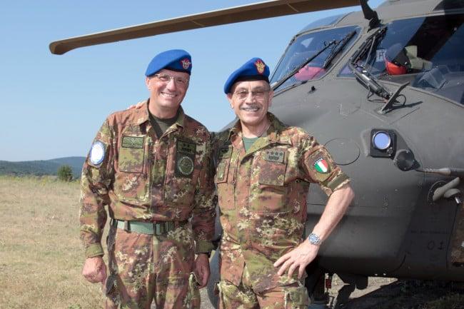 Generale Antoni Bettelli a sx e Generale  Errico CSMEs a dx  FOTO AVES