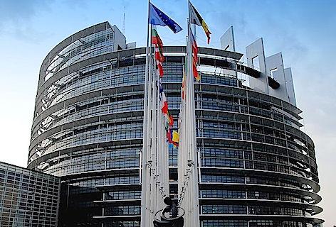 PARLAMENTO_EUROPEO foto renato Agostini Wikimedia commonspanoramio