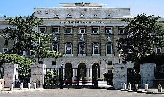 Palazzo aeronautica (foto Flanker - Wiki)
