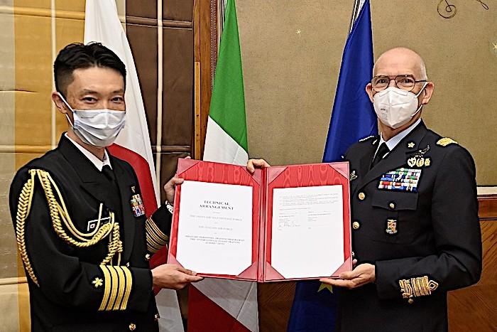 IFTS: firmato accordo per l'addestramento di piloti militari giapponesi in Italia