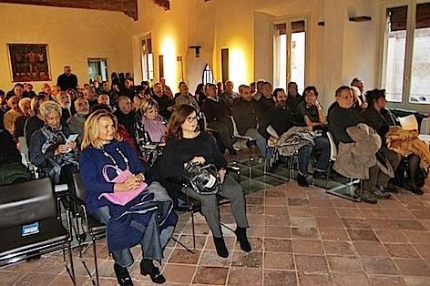 proiezione-al-salone-estense-12-novembre-2016-2