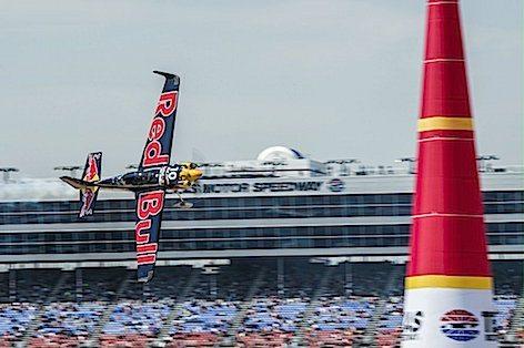 Kirby Chambliss, pilota USA della Red Bull distante dai primi posti in classifica generale