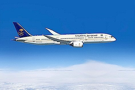 SAUDIA-Dreamliner 2 472x