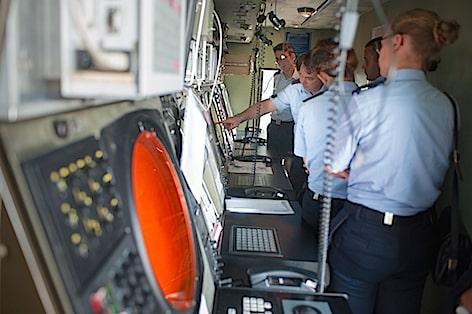 visita-al-settore-del-traffico-aereo