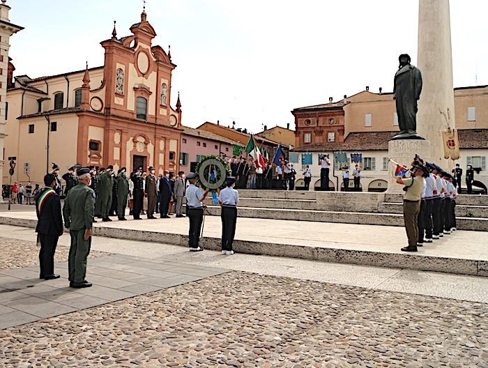 Celebrato a Lugo il 103esimo anniversario della morte di Francesco Baracca. Incontro del gen. Rosso, capo SM dell'A.M. all'Aero Club di Lugo