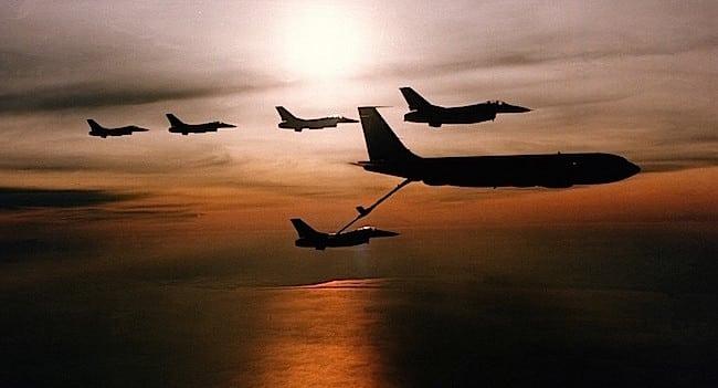 aircraft-705424_960_720public-domain