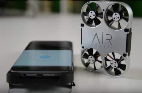 Il drone per gli amanti dei selfie volanti (Agenzia Dire-Giovani)