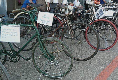 Biciclette della Grande Guerra in esposizione (foto Baldi)
