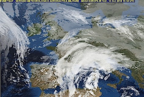 Immagine dell'Europa (Eumetsat, servizio Metereologico Aeronautica Militare, 13 ottobre 2016 h. 15:30 UTC)