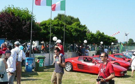Le Ferrari intervenute per festeggiare il Cvallino di Francesco Baracca (foto Baldi)