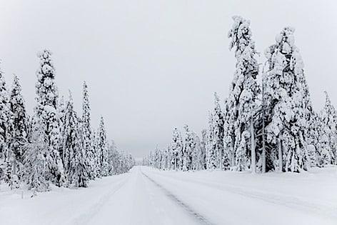 snow-1939561_960_720