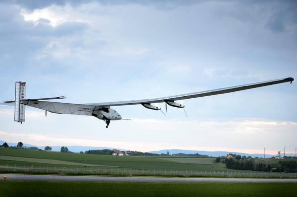 Experimental aircraft Solar Impulse 2 takes off in Payerne