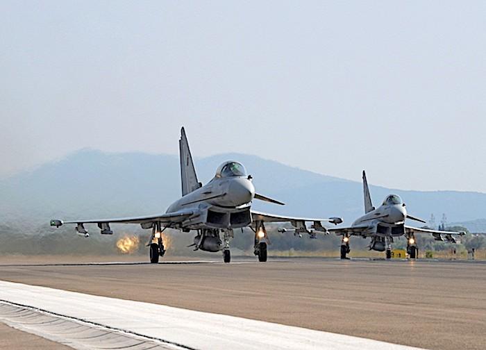 Scrambler di due Eurofighter per un liner senza contatto radio