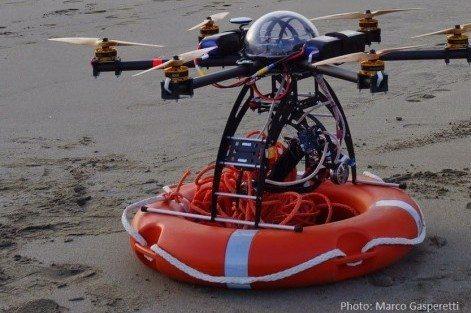 """""""Versilio"""" drone bagnino di Forte dei Marmi (foto Marco Gasperetti)"""